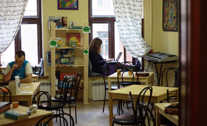 Как мы делали кафе клуб с полным расчётом на посетителей из сети