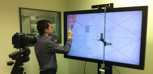 Какие сенсорные технологии используются на больших экранах?