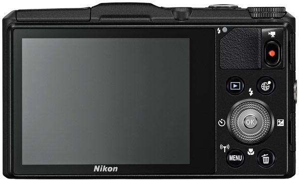 Камера Nikon Coolpix S9700 весит 232 г