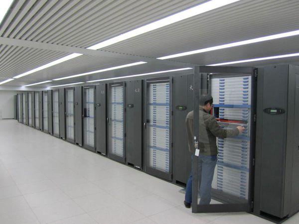Китай строит суперкомпьютер с производительностью 100 петафлоп