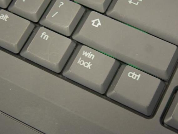 Клавиатура Gigabyte Aivia Force K7 Stealth оснащена регуляторами яркости подсветки и громкости
