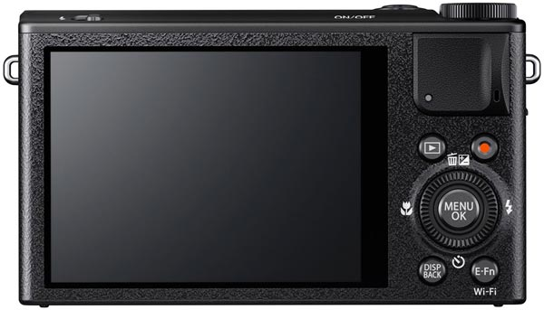 Рекомендованная розничная цена камеры Fujifilm XQ1 — 16 999 рублей