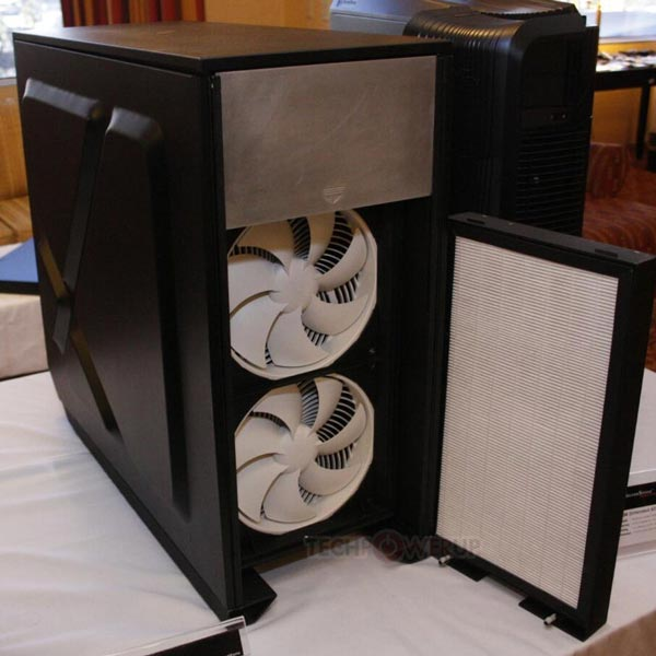Корпус SilverStone Mammoth MMO1 вмещает двухпроцессорные платы типоразмера EATX