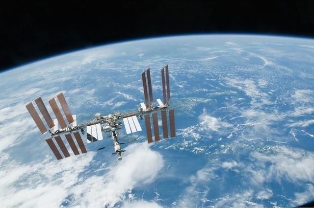 Космонавт на борту МКС смог управлять роботом на Земле