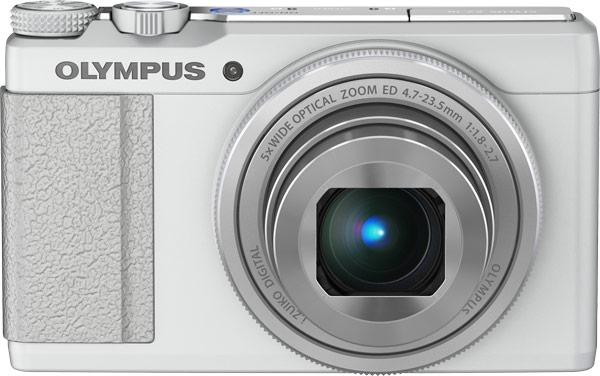 Максимальное значение диафрагмы объектива компактной камеры Olympus Stylus XZ-10 — F/1,8
