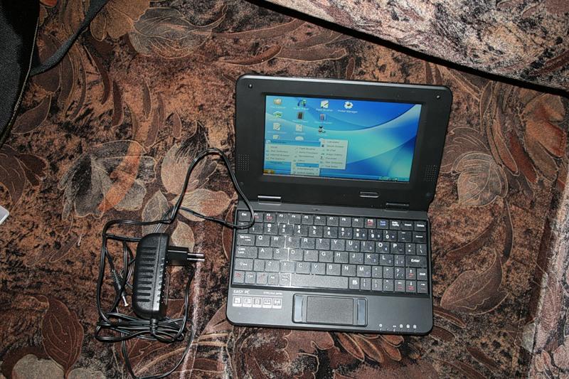 Миниатюрный Linux MIPS лэптоп