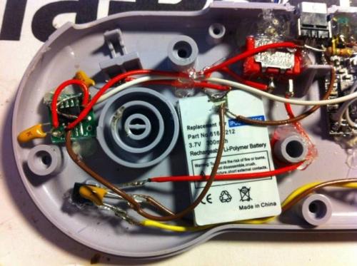 Моддер оснастил контроллер для SNES беспроводным модулем