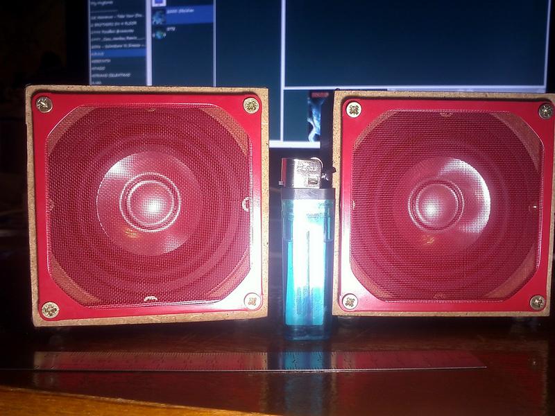 Мультимедийная акустика для нетбука