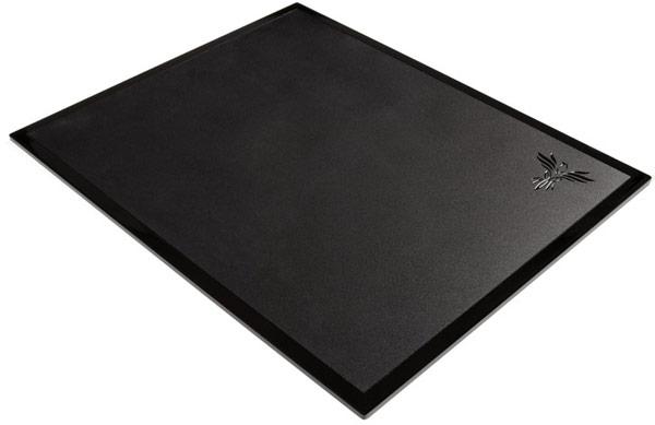 Цена мыши Feenix Nascita — $97, коврика Feenix Dimora — $36