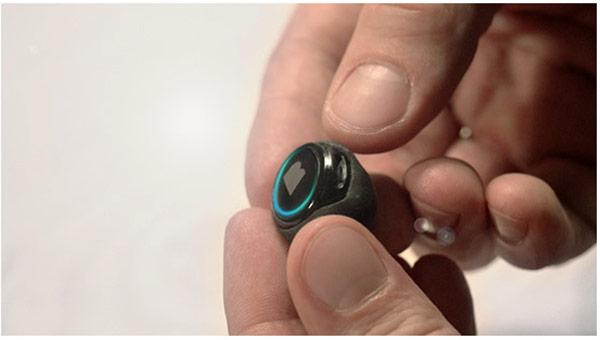 На выпуск «первых в мире беспроводных умных наушников» The Dash за несколько дней удалось собрать более полумиллиона долларов