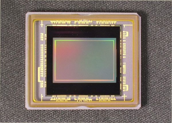 В полном разрешении датчик Aptina AR1011HS способен вести видеосъемку с частотой 60 к/с