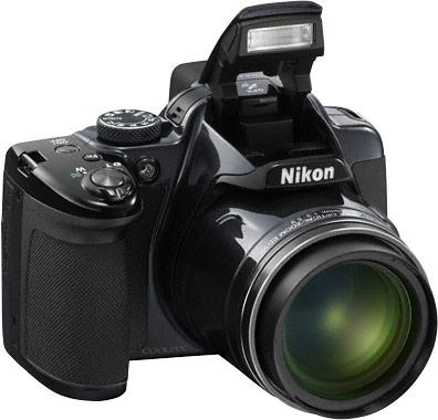 Объектив камеры Nikon Coolpix P520 охватывает диапазон ЭФР 24-1000 мм