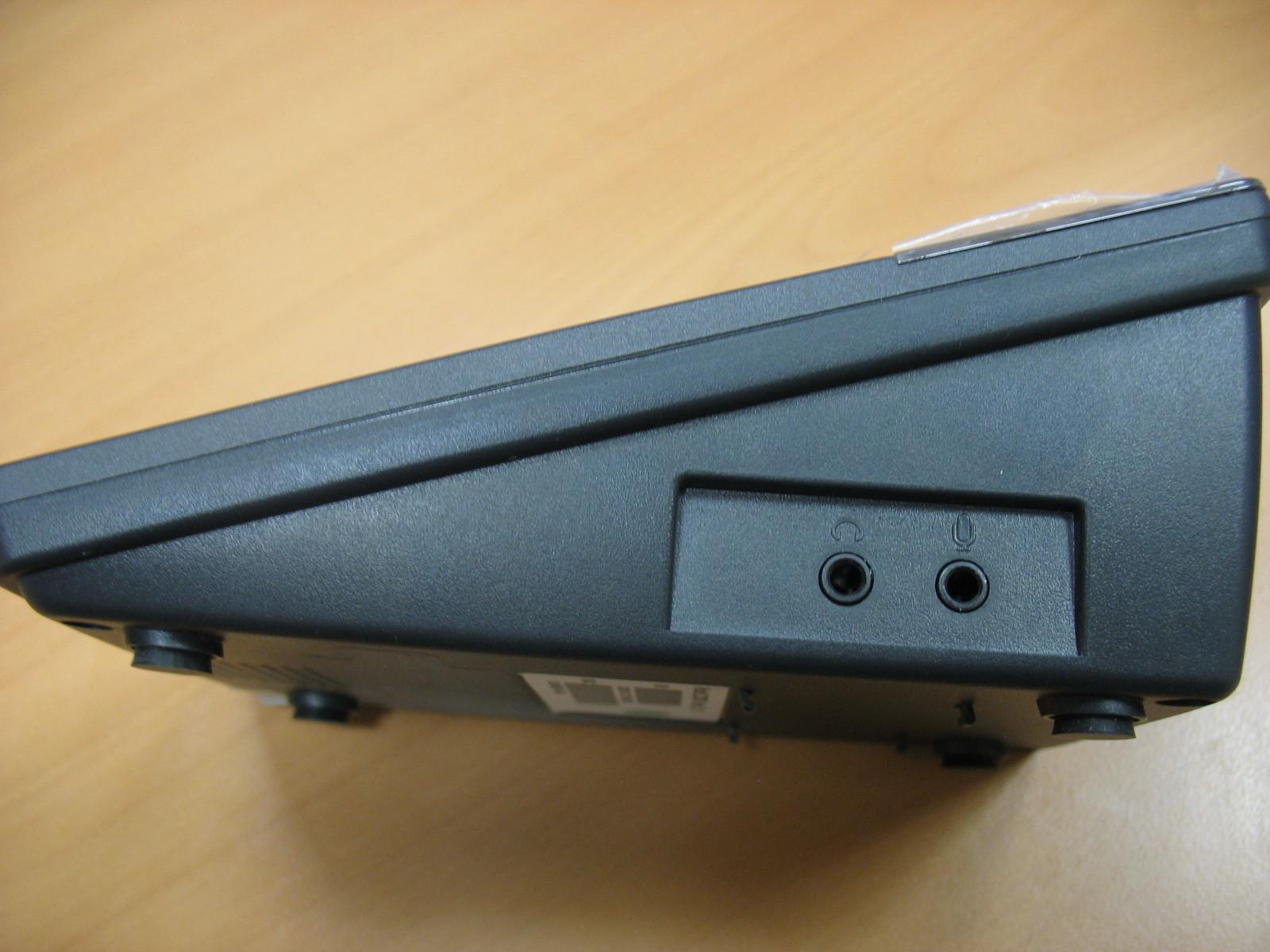 Разъёмы Jack 3.5 дюйма для подключения наушников и микрофона