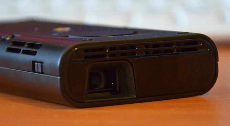Обзор пикопроектора Aiptek PocketCinema V60: 60 дюймов, недорого