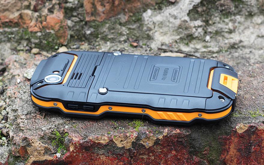 Обзор защищенного смартфона Oinom LMV9