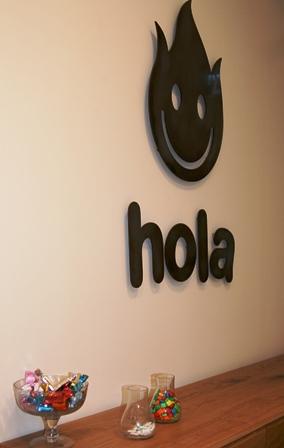 Офис Hola, физический и виртуальный