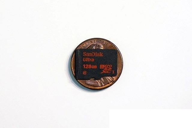Первая флэш карта microSD на 128 ГБ