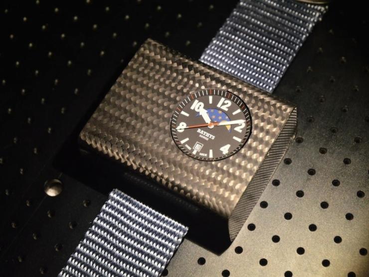 Первые в мире наручные атомные часы вышли на Kickstarter