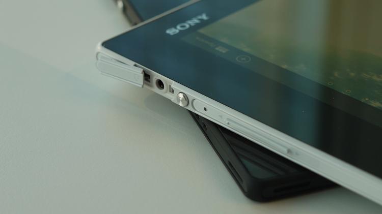 Первый взгляд и видео планшета Sony Xperia Tablet Z