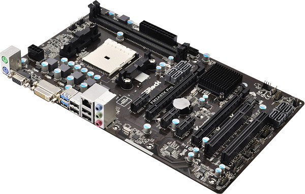 Плата ASRock FM2A85X Pro выполнена в типоразмере ATX