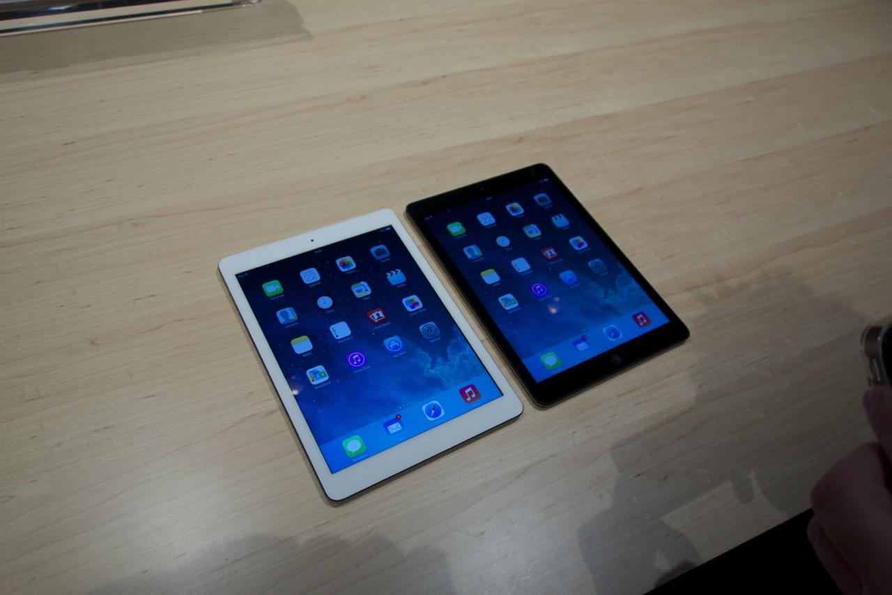 Подборка фотографий с презентации Apple 22 октября