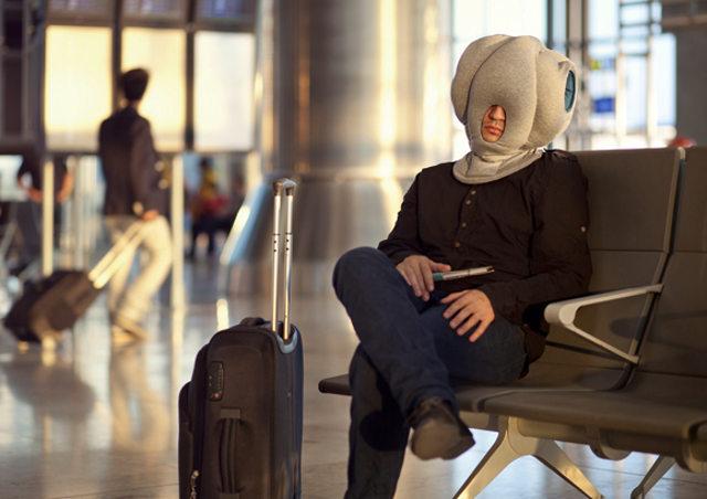 Подушка, которая позволяет уснуть где угодно и не замечать окружающих