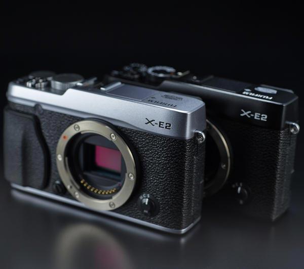 Рекомендованная розничная цена камеры со сменным объективом Fujifilm X-E2 равна 55 999 рублям