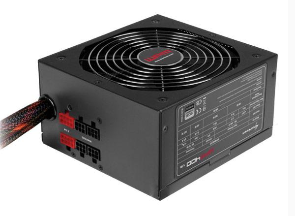В серию блоков питания Sharkoon WPM V2 входят модели мощностью 400, 500, 600 и 700 Вт