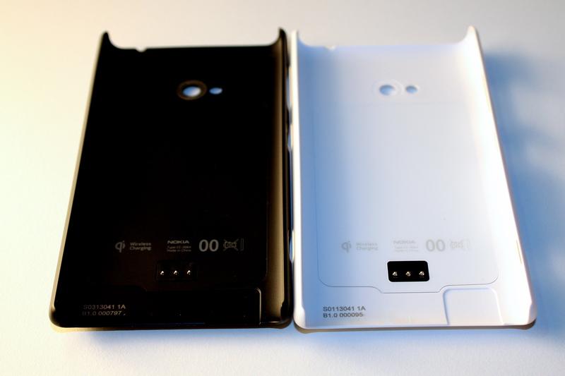 Презентация новых телефонов на выставке MWC 2013