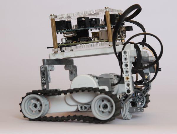 Проект BrickPi на Kickstarter: собери функционального робота на основе Raspberry Pi