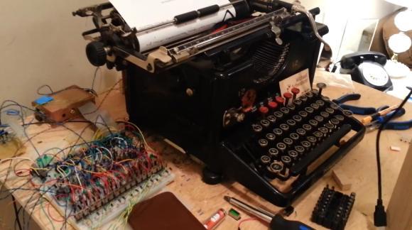 Старая печатная машинка c Arduino и Raspberry Pi в роли принтера