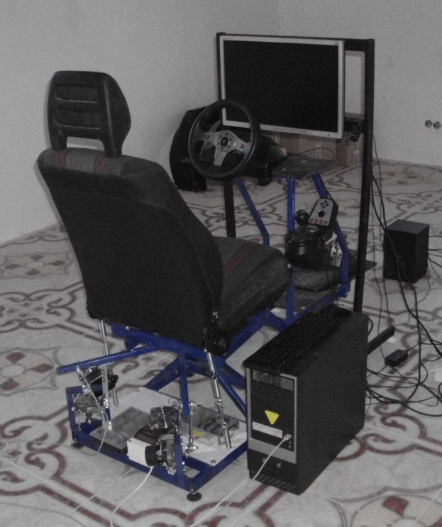 Строим motion simulator из палок и синей изоленты