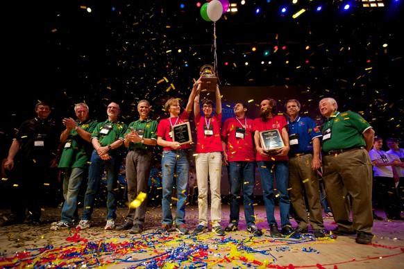 Студенты Санкт Петербургского государственного университета стали победителями 38 ого Студенческого Чемпионата Мира по Программированию