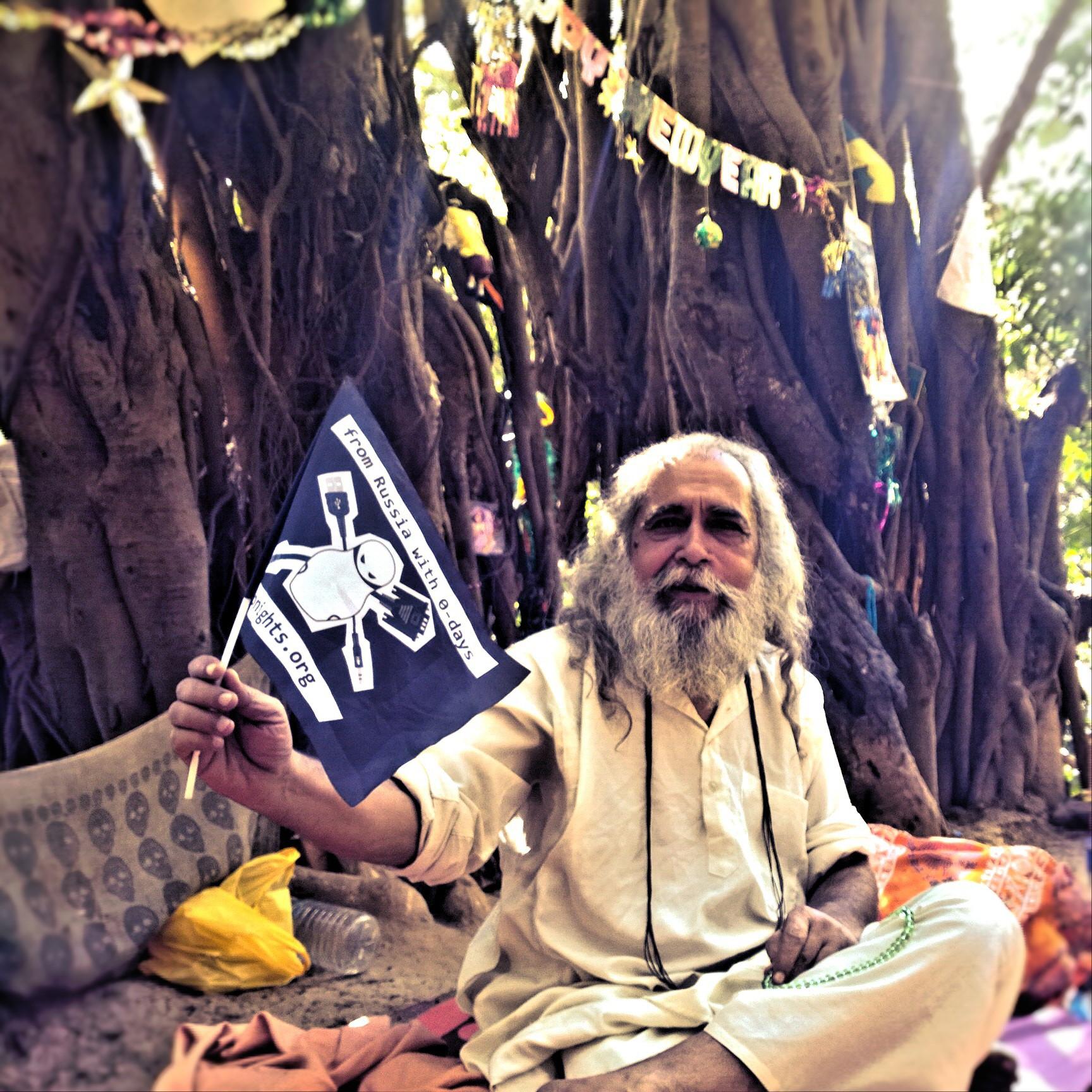 Священная корова, карма и усы: как и почему индусы неравнодушны к ИБ