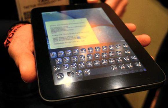 Тактильная клавиатура трансформер для сенсорных дисплеев представлена на CES 2013