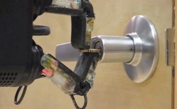 Универсальная и дешёвая механическая рука от iRobot