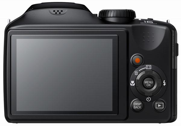 Камеры Fujifilm S4600, S4700 и S4800 доступны в черном, белом и красном цвете