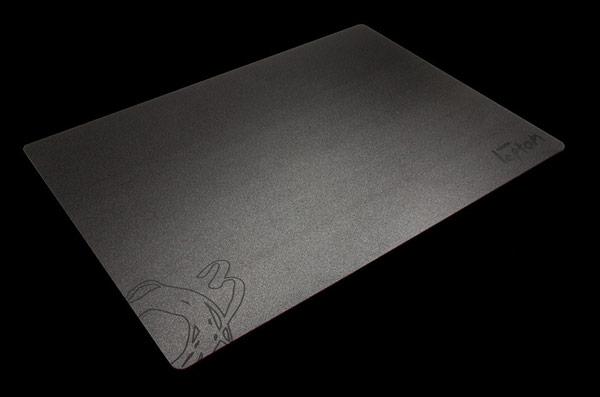 Ассортимент компании Ozone пополнился ковриками для мышей Neutron, Lepton и Boson