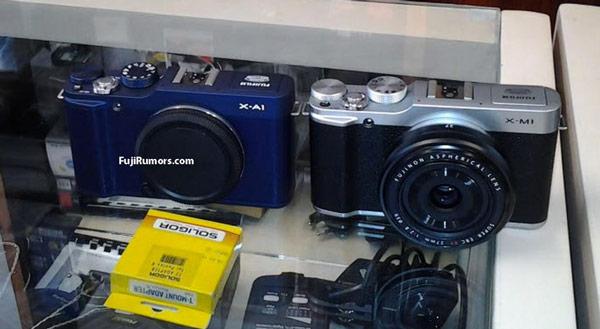 Корпус и органы управления камера Fujifilm X-A1 унаследовала у своей предшественницы