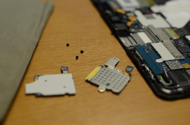 Замена SIM холдера у Samsung Galaxy Tab 10.1 P7500